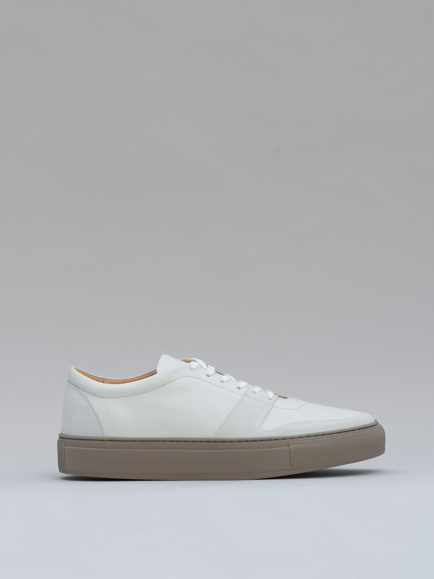 balmoral 06 nubuck/leather clay white