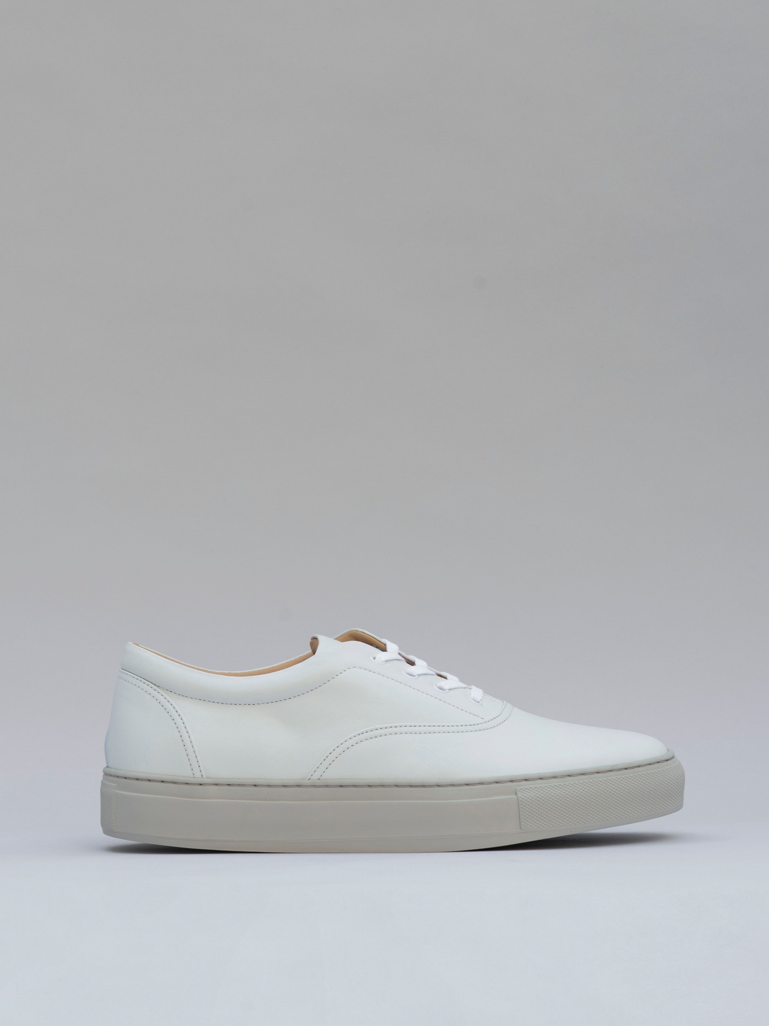 balmoral 01 leather concrete white